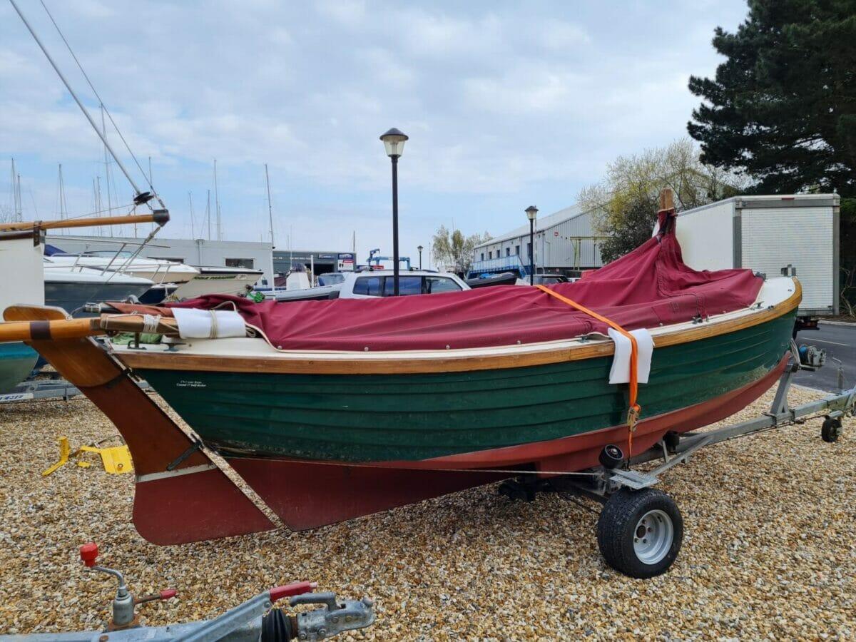 Character Boats Coastal 17 half-deker